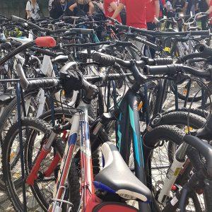 Vsi na bicikel